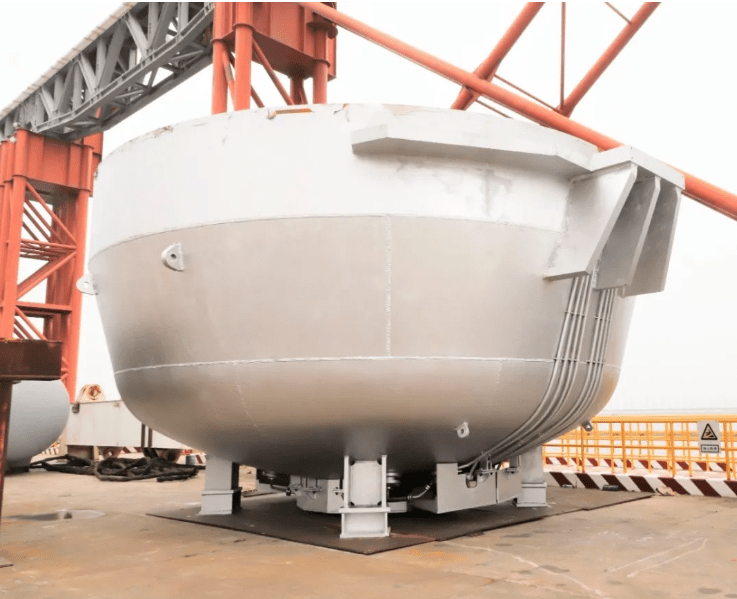 2 1 - [Original Article] Shocking! The complete set of converter equipment with a total weight of 1,100 tons and the largest 350 tons in the country was deliveried to Baosteel Zhanjiang Iron and Steel
