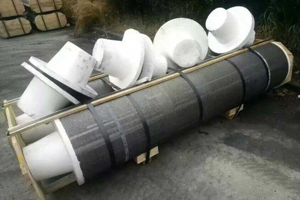 graphite electrode1 600x400 - RP GRAPHITE ELECTRODE