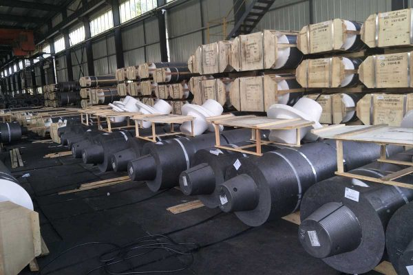graphite electrode2 600x400 - HP GRAPHITE ELECTRODE