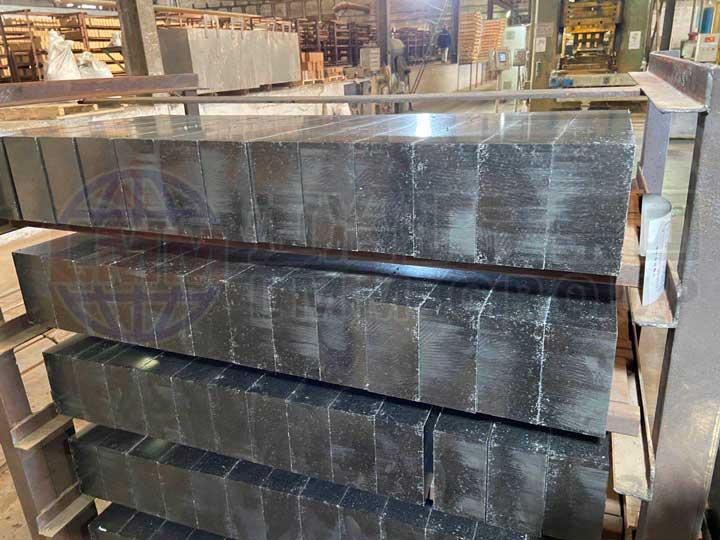 4 - Application status of low carbon magnesium carbon brick