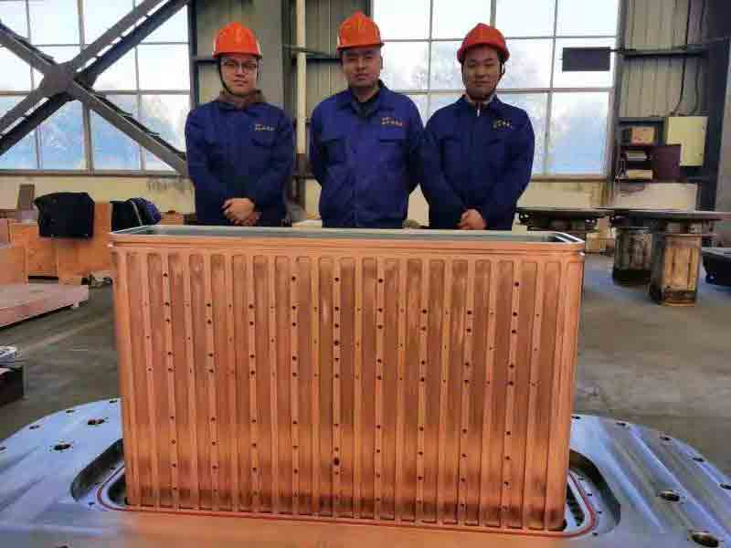 The worlds largest tubular mold 220x1250 was poured successfully1 - The world's largest tubular mold (220x1250) was poured successfully!
